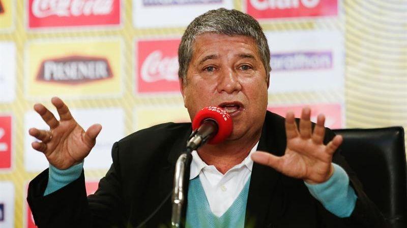 El colombiano ya logró clasificar a Ecuador a un Mundial, el de Corea-Japón 2002.