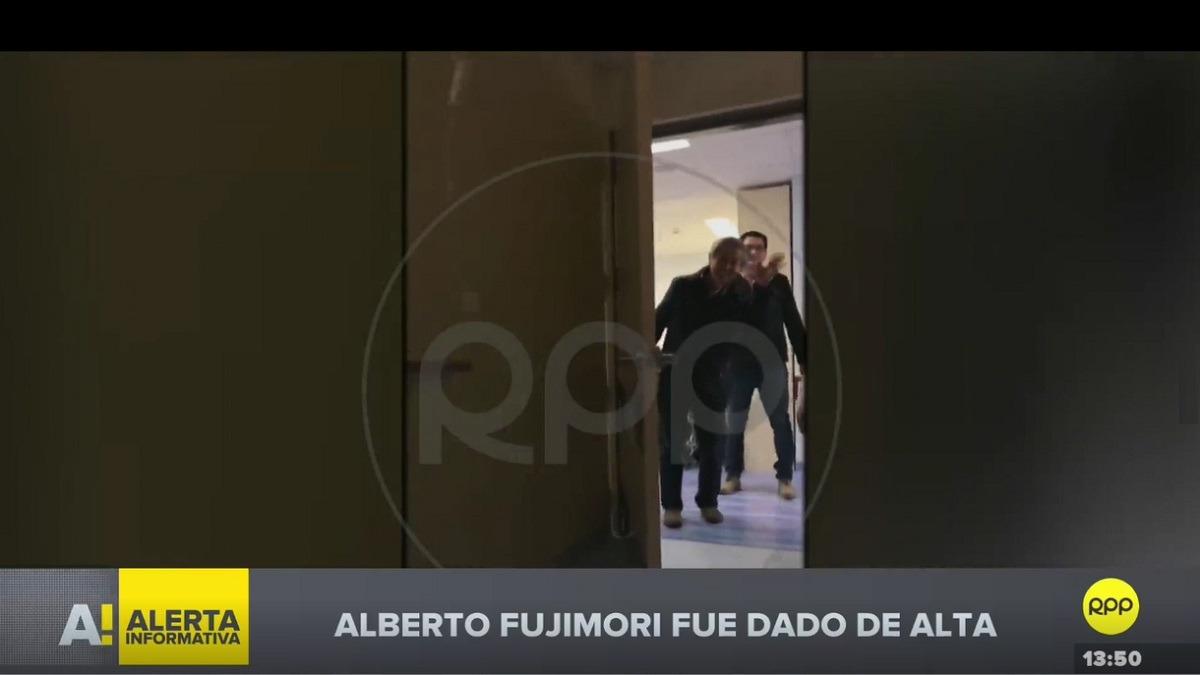 Fujimori saludó a la cámara para demostrar que se encuentra estable.