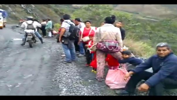 Pobladores y visitantes quedaron varados tras producirse el colapso de la estructura que une las ciudades de Vilcabamba y el Cusco.