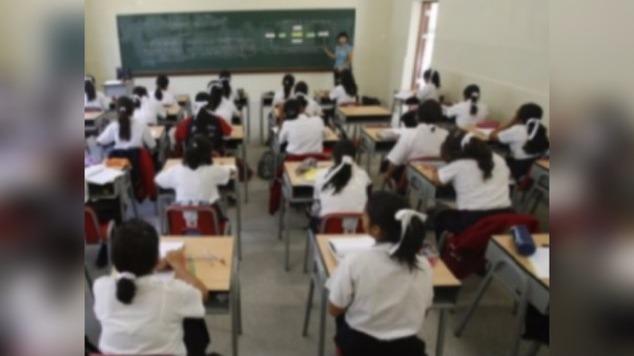 Estudiantes venezolanos regularizan sus estudios en diversos colegios liberteños.