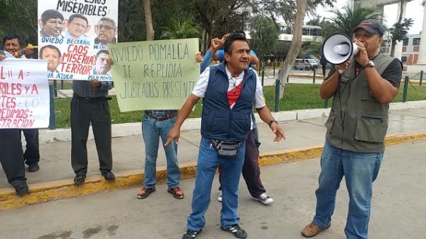 Jubilados protestaron en Chiclayo.