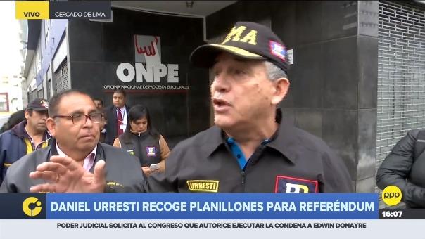 Candidato a la alcaldía de Lima se apersonó a la ONPE para recoger los planillones e iniciar recolección de firmas, sin embargo, no obtuvo respuesta.